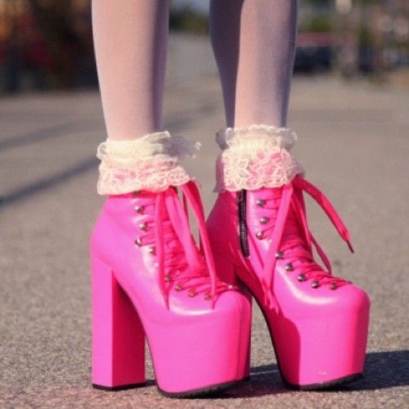 UNIF Shoes - UNIF Neon Pink Hellbounds